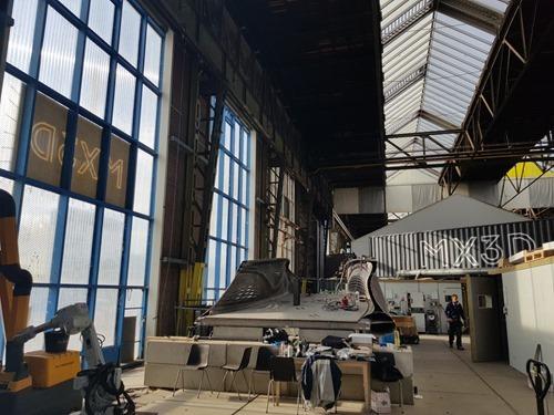 Dans l'usine